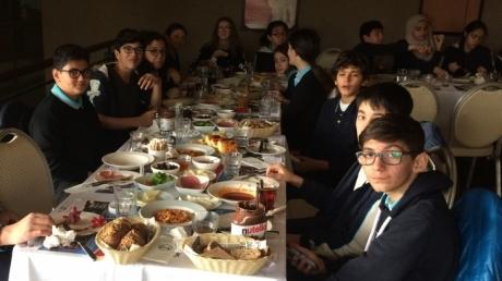 8. Sınıf Öğrencileri Moral Kahvaltısında Buluştular