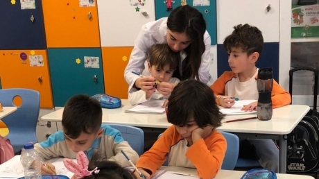Bahçelievler Okyanus Koleji Anaokulu Öğrencileri İlkokul Hazırlık Dersinde