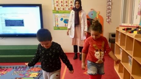 Çekmeköy Okyanus Koleji Okul Öncesi Gökkuşağı Grubu Gökkuşağı Grubu İngilizce Play Time Dersinde