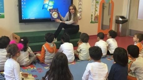 Çekmeköy Okyanus Koleji Okul Öncesi Yıldızlar Grubu İngilizce Bilingual Dersinde