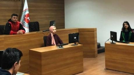 Fatih Okyanus  Koleji  Hukuk Kariyer Kulübü Öğrencilerine Sanal Mahkeme Uygulaması