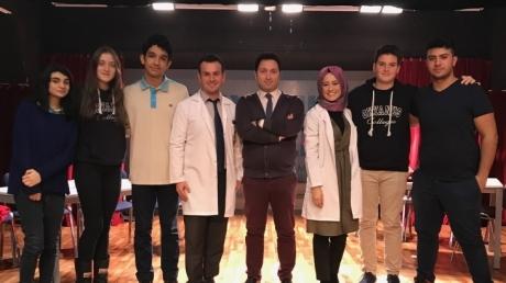 Fatih Okyanus Koleji Öğrencileri Münazarada Adım Adım Finale Yaklaşıyor