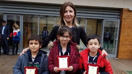 Fatih Okyanus Kolejinde Kasım ayı örnek öğrencileri seçildi