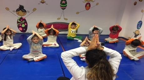 İnciler Grubu Öğrencileri Spor Etkinliğinde Yoga Yaptılar