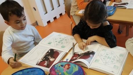 Kemerburgaz Okyanus Koleji Gökkuşağı Grubu Okuma Yazmaya Hazırlık Dersinde