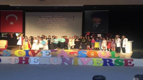 Mimaroba Okyanus Koleji Ortaokulu 5. Sınıf Öğrencileri Tarafından Language Day (Dil Günü) Etkinliği gerçekleştirildi