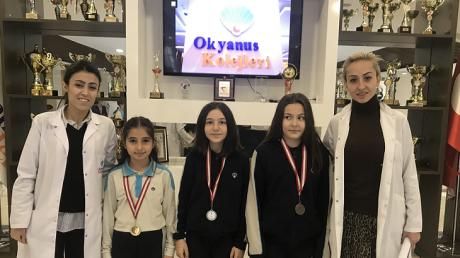 NÖS VE LGS'de Dereceye Giren Öğrencilerimize Madalyaları Verildi