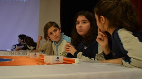 """Mavişehir Okyanus Ortaokulunda """"Kelime Yarışmaşı"""" İle Öğrencilerimiz Hem Eğlendi Hem de Öğrendi"""