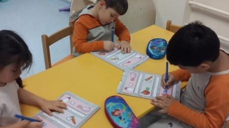 Sancaktepe Okyanus Koleji Okul Öncesi Balıklar Grubu Öğrencileri Okuma Yazmaya Hazırlık Etkinliğinde