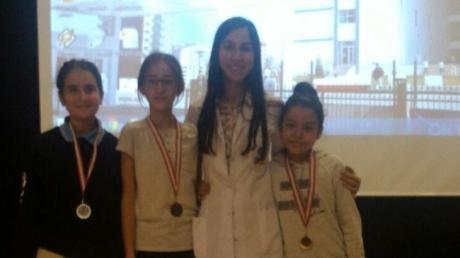 6. Sınıflarda Hazırbulunuşluk Sınavında Dereceye Giren Öğrencilerimiz Madalyalarını Aldılar
