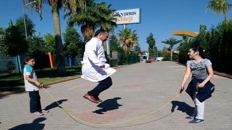 Öğrencilerimiz Türkçe Derslerinde Eğlenerek Öğreniyor