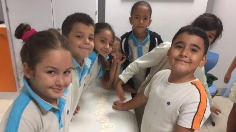 2. Sınıf Öğrencileri Ritmik Sayma Yarışı Yapıyor