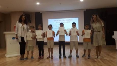 Öğrencilere Uluslar Arası İngilizce Sertifikası Taktim Edildi