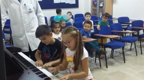 Avcılar Gezegenler Grubu Öğrencileri Müzik Etkinliğinde
