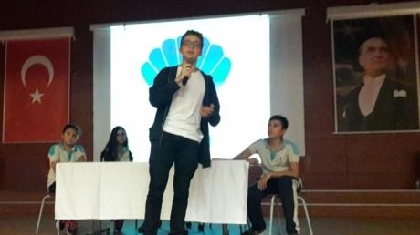 Avcılar Okyanus Koleji ortaokul öğrencilerinin katılmış olduğu O'MUN tanıtım söyleşisi konferans salonunda gerçekleştirildi.