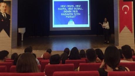 Beykent Okyanus Koleji 12.sınıf öğrencilerine yönelik 'YKS Sistemi'' seminerini gerçekleştirdi.