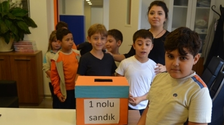 Öğrenciler Okul Başkanını Seçiyor