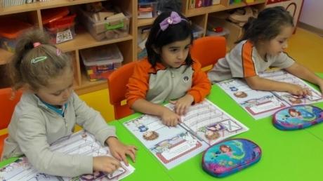 Beykent Okyanus Koleji Okul Öncesi Balıklar  Grubu Öğrencileri Okuma Yazma  Etkinliğinde