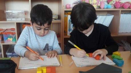 Çekmeköy Okyanus Koleji Gökkuşağı Grubu Düşünme Becerileri Dersinde