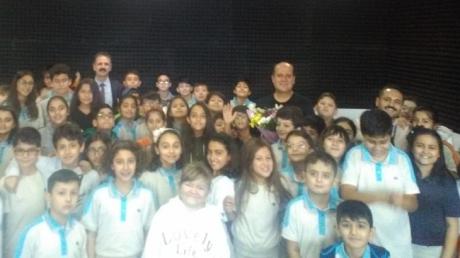 Diyarbakır Okyanus Koleji Ortaokulu Öğrencileri '' Çizgilerle Osmanlı İmparatorluğu '' Kitabının Yazarıyla Tanıştı