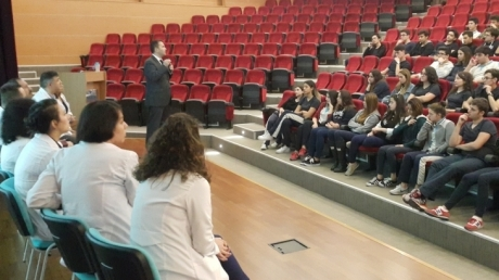 Anadolu Lisesi Öğrencileri Seminerde