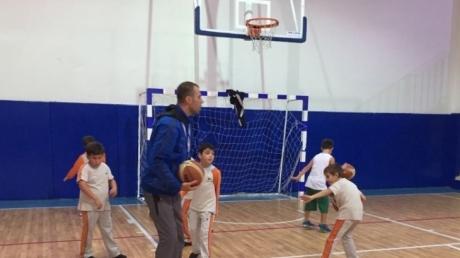 Öğrencilerin Seçtikleri Basketbol Kulübü'nün Çalışmalarıyla Yeni Teknikler Öğrendi