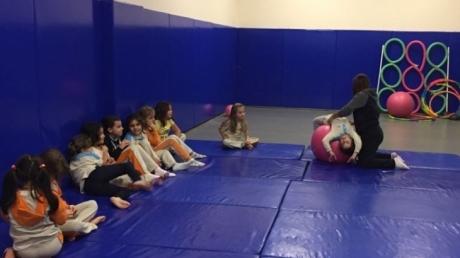 Öğrencilerimiz Cimnastik ile Eğlenerek Öğreniyor