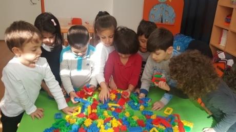 Okul Öncesi Mercan Grubu Öğrencileri Oyun Saatinde