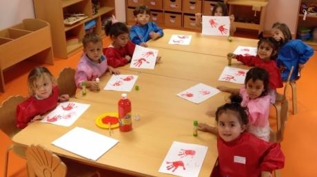 Öğrencilerimiz Kırmızı Rengi Öğreniyor