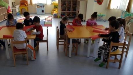 Sancaktepe Okyanus Koleji Okul Öncesi Balıklar Grubu Öğrencileri Sanat Etkinliği Dersinde