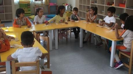Sancaktepe Okyanus Koleji Okul Öncesi Yıldızlar Grubu Öğrencileri Sanat Etkinliği Dersinde