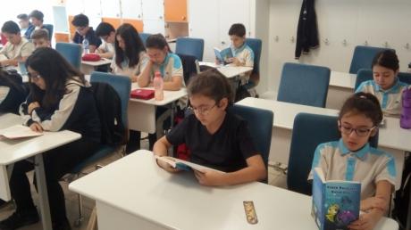 Eryaman Okyanus Koleji Ortaokul Kademesinde İlk Zil Kitaplar İçin Çaldı!