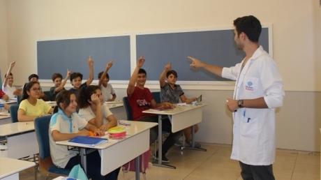 """Nilüfer Okyanus Koleji 8. Sınıf Öğrencileri """"Akademik Destek Programına"""" Başladı!"""