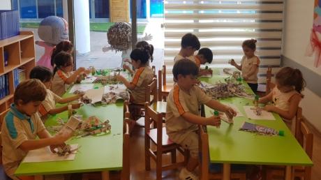 Okul Öncesi Bulutlar Grubu Sanat Etkinliği Dersinde