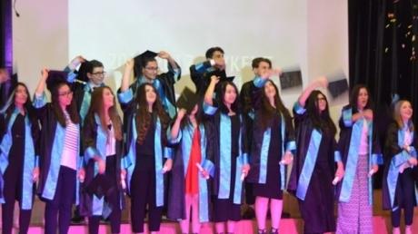 Beykent Kampüsü 12. Sınıf Öğrencilerinin Mezuniyet Coşkusu