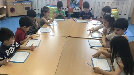 Mimarsinan Okyanus Koleji Okul Öncesi Mercanlar Grubu Okuma-Yazma Etkinliğinde