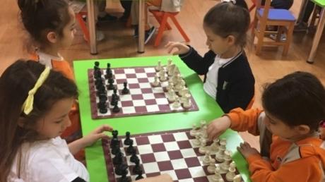 Okul Öncesi Öğrencileri Satranç Şenliğinde Bir Araya Geldi