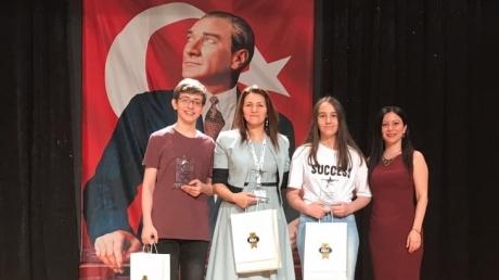 Okyanus İncek Ortaokulu Tübitak Ödülü