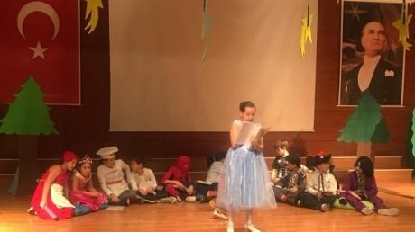 Avcılar Okyanus Koleji 5. sınıf öğrencilerinin hazırlamış olduğu 'READING….' temalı Language Day (Dil Günü) etkinliğini gerçekleştirdi.