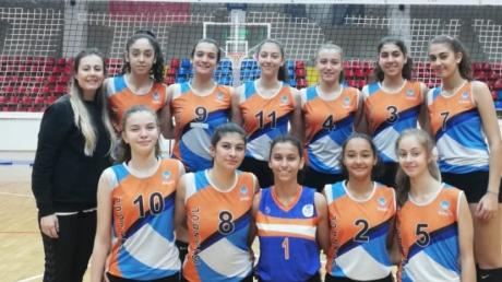 Beykent Okyanus Koleji Genç Kız Voleybol Takımımız İlçemizde Yapılan İl Şampiyonluğu İlçe Eleme Maçları Birincisi Olmuştur.