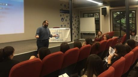 Beylikdüzü Okyanus Anadolu Lisesi Kariyer Kulubü Öğrenciler Kadir Has Üniversitesi