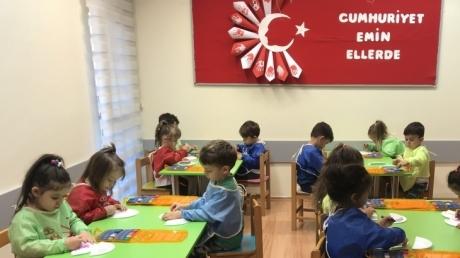 Fatih Okyanus Koleji Okul Öncesi Kuşlar grubu Sanat Dersinde