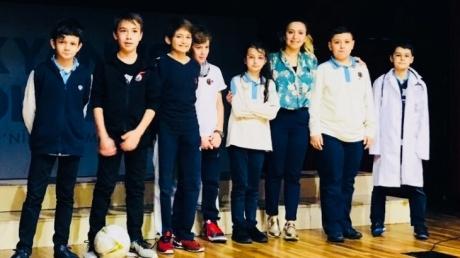 Fatih Okyanus Ortaokulu öğrencileri 'Mesleğimi Anlatıyorum' sempozyumu ile meslek tanıtımlarını gerçekleştirdi.