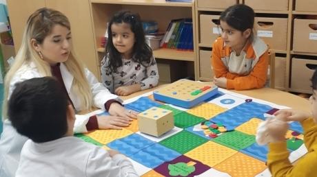 Adana Okyanus Koleji Okul Öncesi Yıldızlar Grubu Kodlama Etkinliğinde