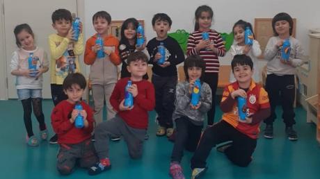 Adana Okyanus Koleji Okul Öncesi Yıldızlar Grubu Sanat Etkinliğinde