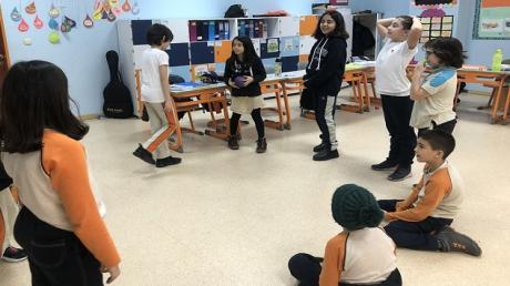"""4. Sınıf Matematik Esnek Öğrenme Grubu Öğrencileri """"At-Çarp"""" Etkinliğinde"""