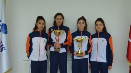 Beykent Okyanus Genç Kız Badminton Takımımız Beylikdüzü İlçe Şampiyonu Oldu