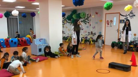 Beykent  Okyanus Koleji Okul Öncesi Çiçekler Grubu Oyun Etkinliğinde