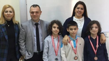 Beylikdüzü Okyanus Ortaokulu NÖS-3, NÖS-4 ve Ocak - Şubat Ayı Örnek Öğrenci Madalyaları Verildi