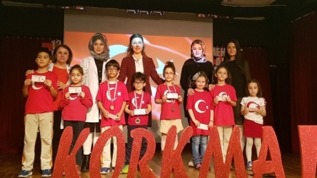 Fatih Okyanus Koleji İlkokul İstiklal Marşı okuma yarışması düzenledi.